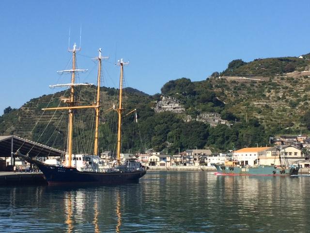 トロール船