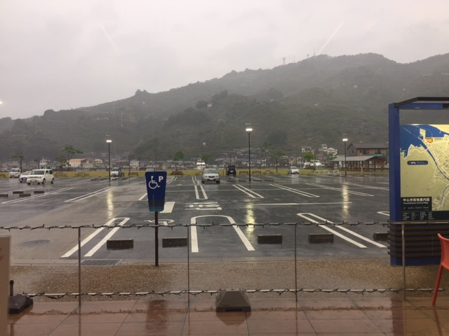 雨の八幡浜
