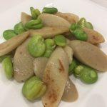 魚肉ソーセージとそら豆