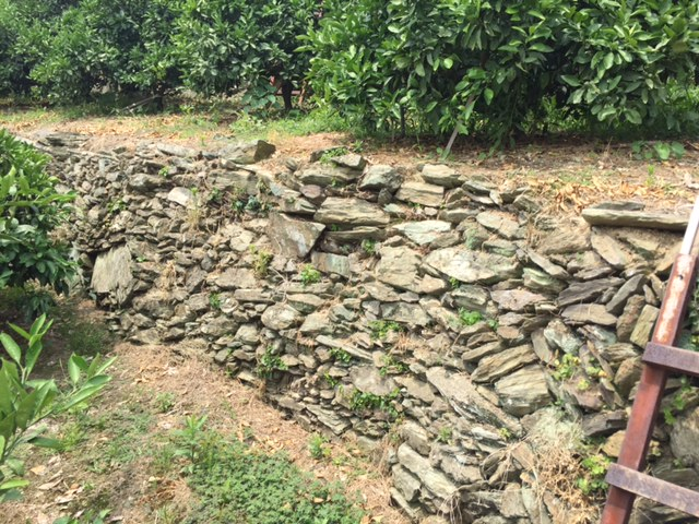 青石の石垣