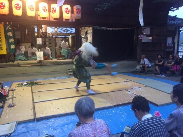八幡神社輪抜けの画像2