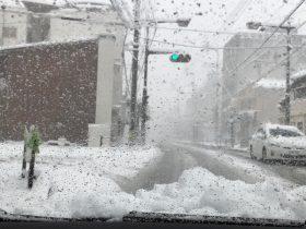 大雪の国道