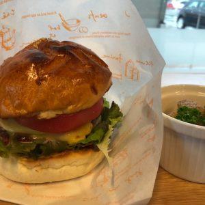 カフェシュシュのハンバーガー
