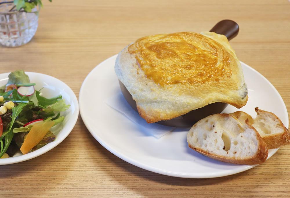 牡蠣のシチューポットパイ